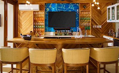 Aqua Bay Bar 2