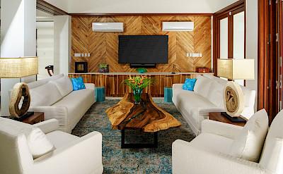 Aqua Bay Livingroom Outdoor