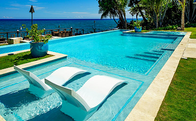 Aqua Bay Pool