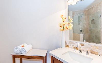 Nl Fam Room Bath