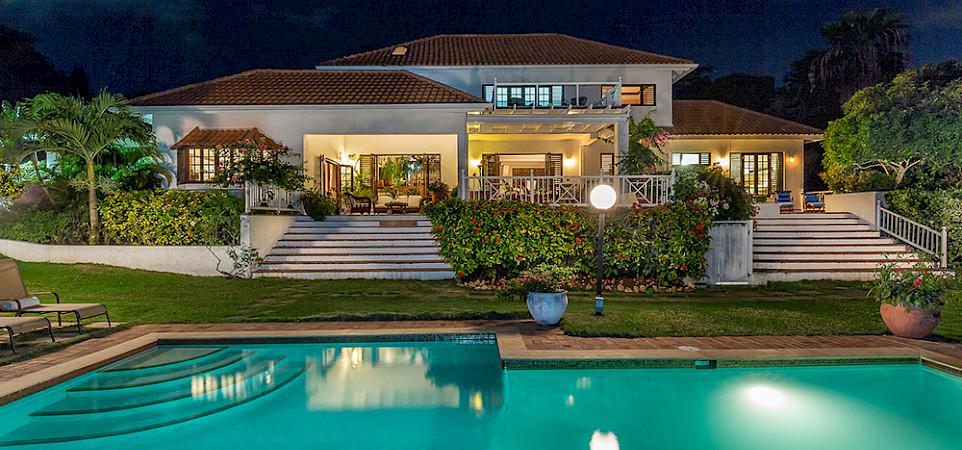 Nl Pool Night House