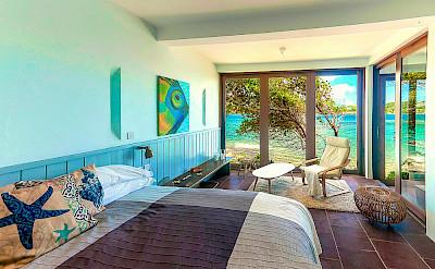 Oceanfront 2 Br Master Bedroom