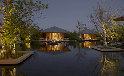 Villa Reflective Pond Bedroom Pavilions