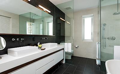Gansevoort Villa Master Bath 2 V 1 Current