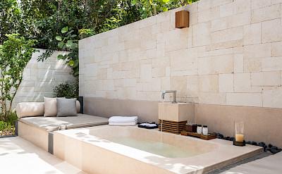 Villa 3 Outdoor Bath Shower