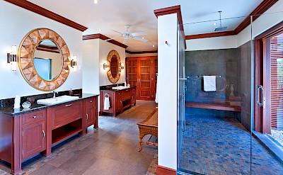 Villa Sandy Lane Feb Bath 1