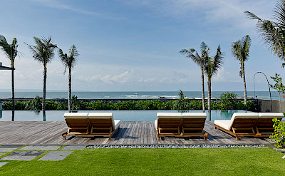 Arnalaya Beach House Sunloungers By The Pool