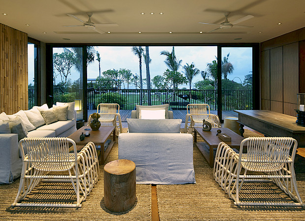 Arnalaya Beach House Living Room