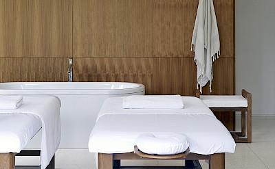 Arnalaya Beach House Spa Massage Bed