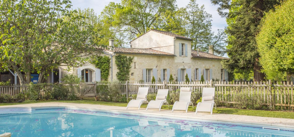 Exterior House W Pool