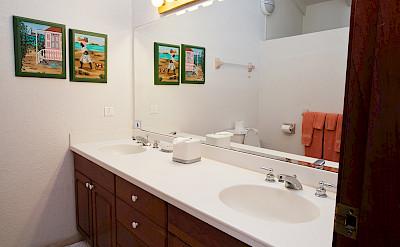 Baie Longue Beach House Bath 2