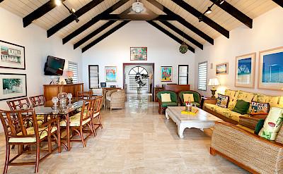 Baie Longue Beach House Living 1