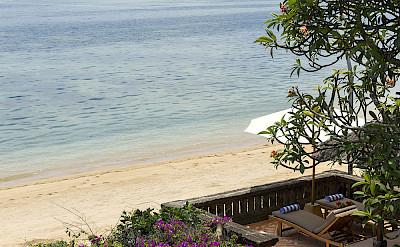 Villa Private Raised Beachside Sun Loungers