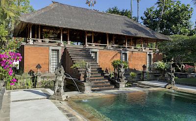 Villa Lembu Bale And Pool