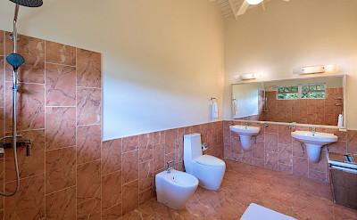 Aug Bath