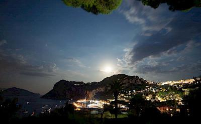 Villa Villa By Night