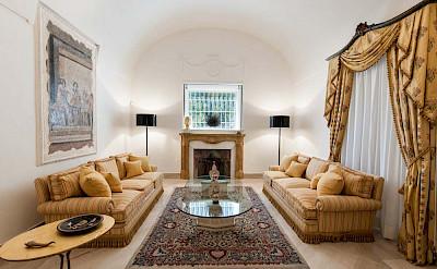 Villa Lobby