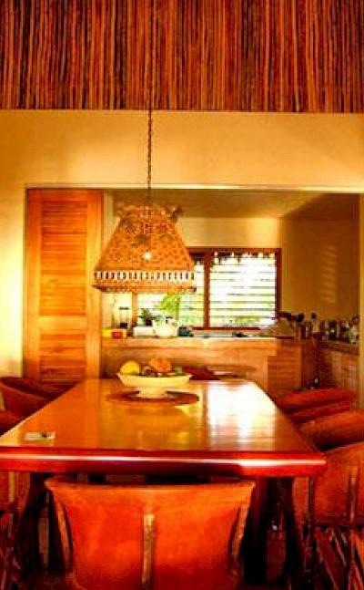 Lrg Villa In Riviera Maya