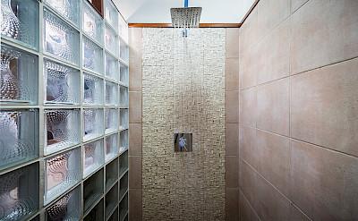 Guest Master Shower