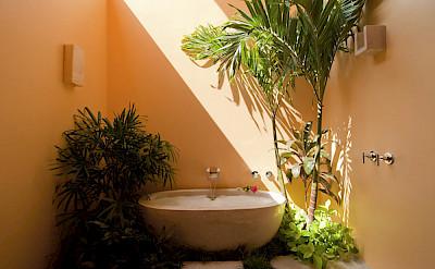 Turquoise Room Bath