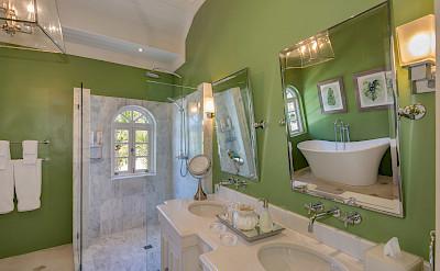 Masterbedroom Bath