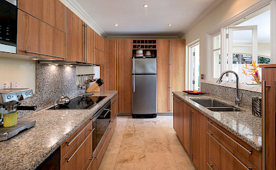 Mullins Bay Jul Kitchen