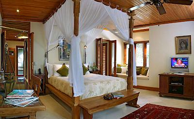Des Indes I Spacious Bedroom At Pavillion 3