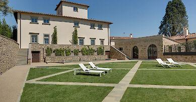 Arts & Culture villa rentals