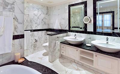 Schoonerbay Flamboyant Bath