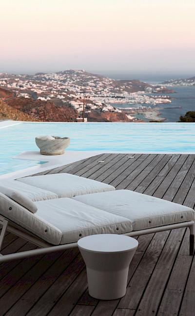 Sunbathing Lounge