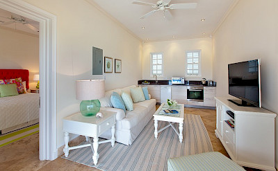 Ocean Drive Aug Cottage Sitting Room Kitchen