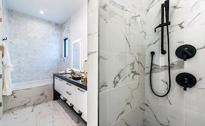 Villas Shower 1