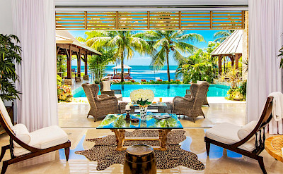 F Accaf Living Room Lead Pool And Beach Shot