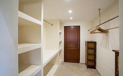 La+Salamandre 1 Walkin+Closet