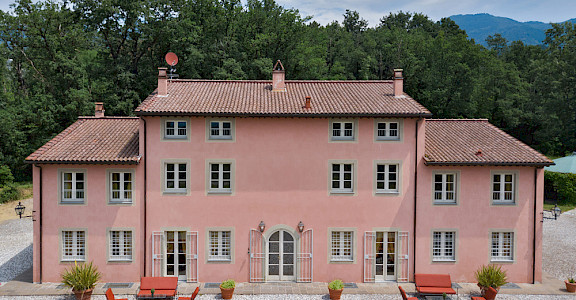 Bv Villa Esterni