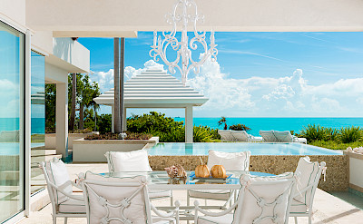 Kitchen Outdoor Dining Beachview