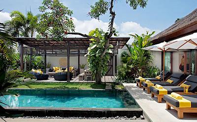 Villa Outdoor Comfort