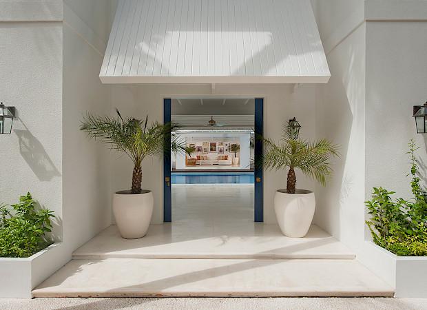 Villa Magnificent Entrance