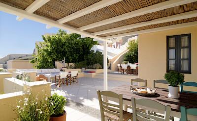 Archipelhouse Morning Table Terrace