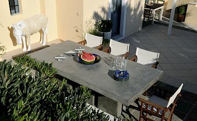 Archipelhouse Cement Table Terrace