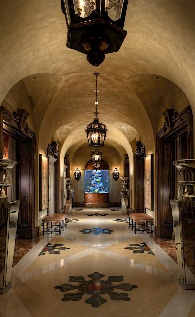 Caesars+Palace Marcus+Aurelius+Villa Hallway