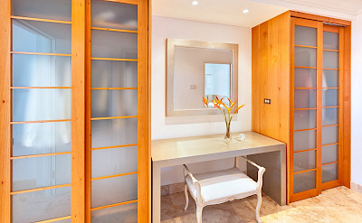 Lrg Marsh Mellow House Closet