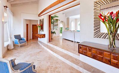 Lrg Marsh Mellow House Foyer