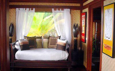 Villa Bungalow Sitting Room Halfbed