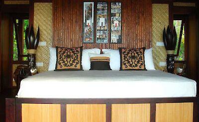 Villa Bungalow Master Bed