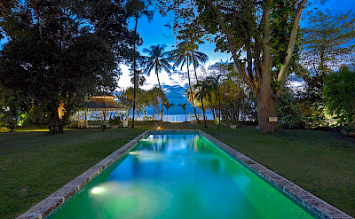 Lrg Pool To Sea Night
