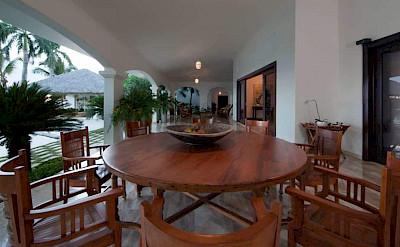 Bedroom Ocean Front Villa Nerissa 8