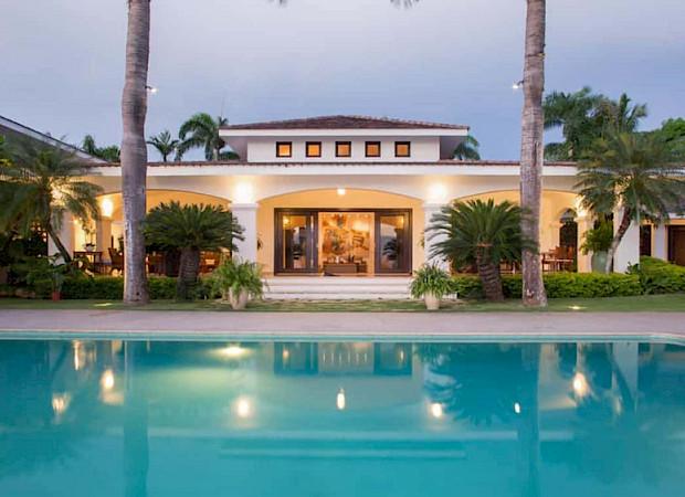 Bedroom Ocean Front Villa Nerissa 1