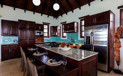 Villa 1 Kitchen Mg