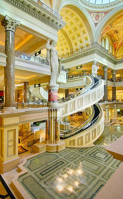 Forum Shops Escalator